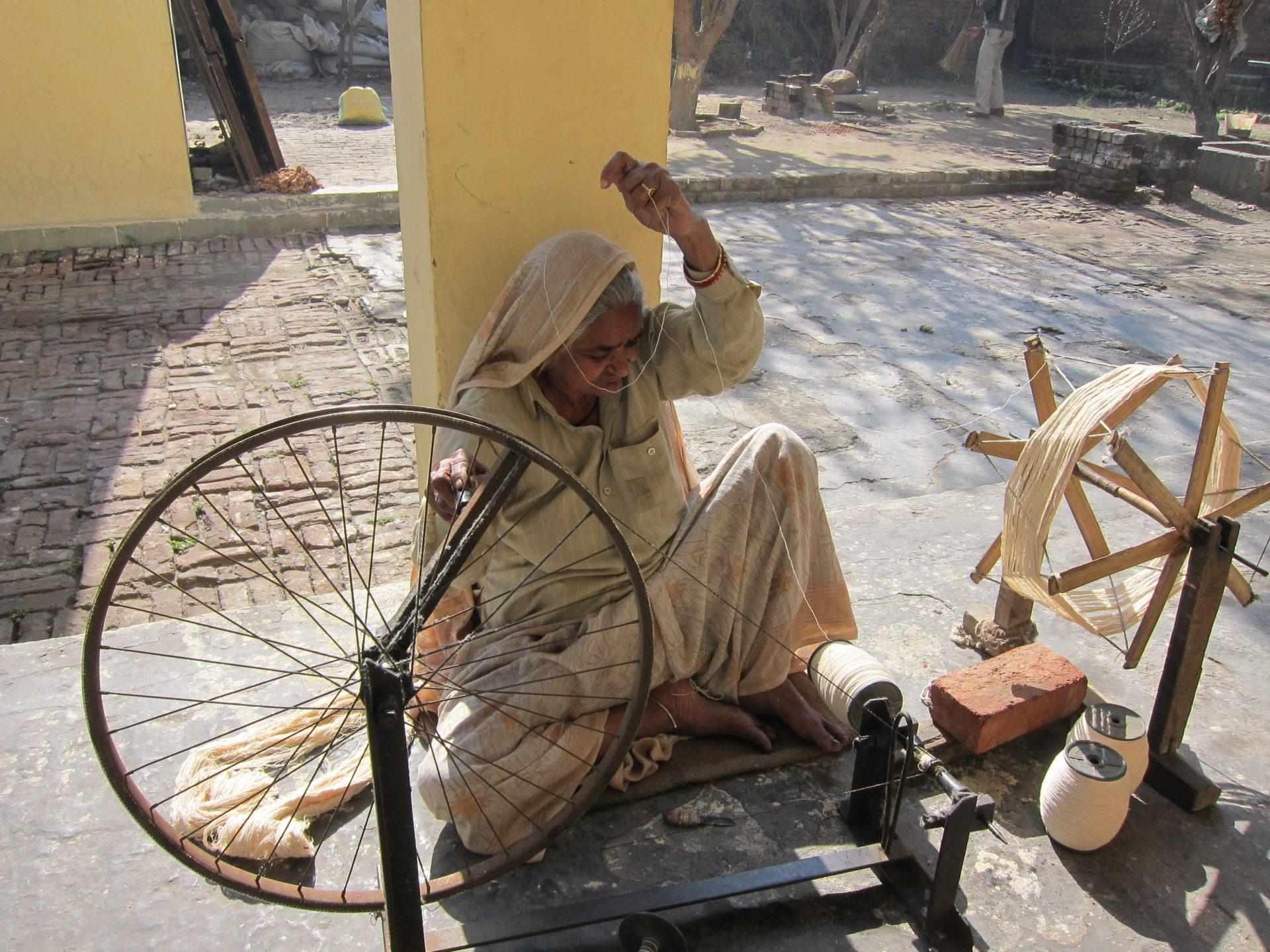 weaving stories khadi spinning artists jhola